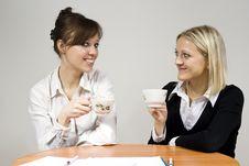 Free Beautiful Girls Smiling Drink Tea Royalty Free Stock Photography - 23508337