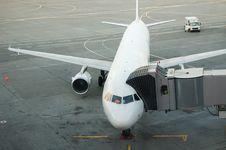 Free Passenger Aircraft Royalty Free Stock Photo - 23509325