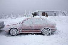 Free Snow Cowered Red Car Stock Photos - 23515993