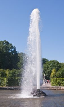The Fountain In The Lower Park Of Peterhof Stock Images