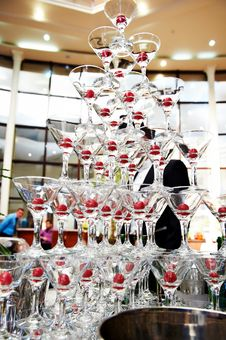Free Champagne Glasses In A Pyramid Stock Images - 23532754