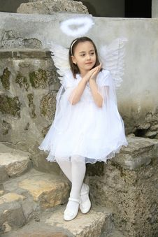 Free Girl Like An Angel Royalty Free Stock Photography - 23550987