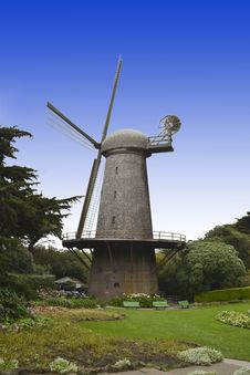 Free Dutch Windmill In Golden Gate Park Royalty Free Stock Image - 23556046