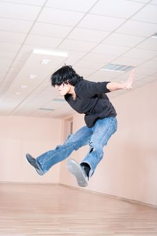 Young Dancer Man Jumping Stock Photography
