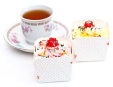 Free Cupcakes And Tea Royalty Free Stock Photography - 23565787