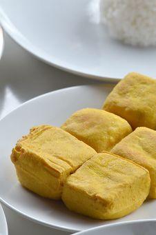 Free Fried Tofu &x28;soybean Curd&x29; Royalty Free Stock Photo - 23568875
