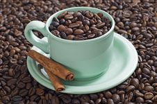 Free A Cup Of Coffee Bean Royalty Free Stock Images - 23578319