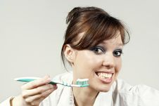 Free Girl Keeps A Toothbrush Stock Photography - 23588742