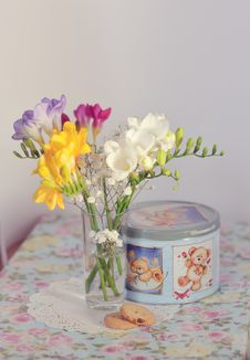 Free Bouquet Of Spring Colors Royalty Free Stock Images - 23591509