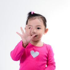 Free Little Girl And Right Hand. Royalty Free Stock Photos - 23594258