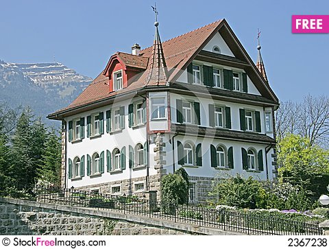 Swiss House exterior - Picture of Swiss House B&B, Castleton ...