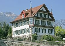 Free Nice Swiss House 13 Royalty Free Stock Photos - 2367238
