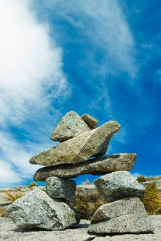 Free Balanced Rocks Royalty Free Stock Images - 23610819