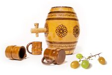 Small Barrel With Grapes Royalty Free Stock Photos