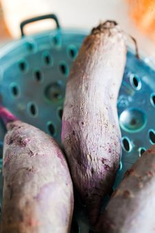Beet In Steamer Royalty Free Stock Photography
