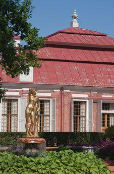 Free Garden Of Monplaisir Palace. Peterhof. Russia Stock Image - 23621181