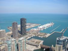 Free Aerial Of Navy Pier Royalty Free Stock Photos - 23628758