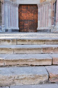 Stairs To The Door Of A Cathedral Stock Photos