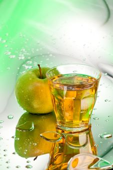 Free Apple Juice Stock Photo - 23694530