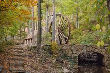 Free Historic Water Wheel Royalty Free Stock Photography - 23732907