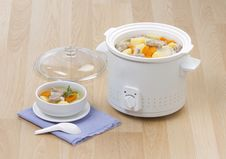 Free Electric Casserole Pot 2 Royalty Free Stock Photo - 23734215