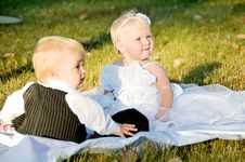 Free Children Dressed As Bride And Groom Royalty Free Stock Photo - 23763315