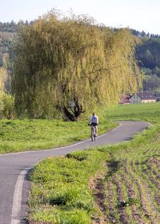 Free Cycling Path Royalty Free Stock Image - 23769456