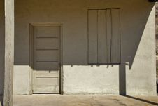 Free Old Wooden Door Royalty Free Stock Photos - 23779138