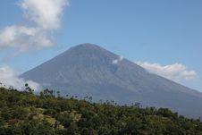Free Sleeping Volcano Royalty Free Stock Photos - 23785218