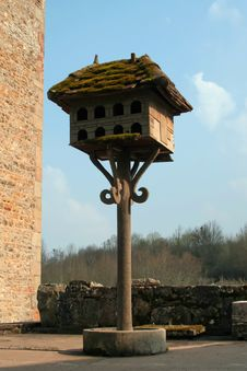 Free Antique Bird House Royalty Free Stock Images - 23786789