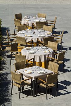 Free Restaurant Tables Royalty Free Stock Image - 23787426