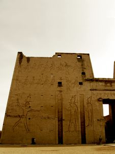 Free Temple Of Edfu Royalty Free Stock Photography - 2383697