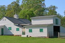 Free Farmhouse And Barn Royalty Free Stock Photo - 2384415