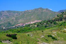 Free Small Mediterranean Village Royalty Free Stock Photo - 2385975