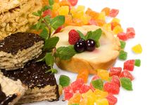 Free Cake , Candied Fruit , Mint And Chocolate Royalty Free Stock Photography - 23821397
