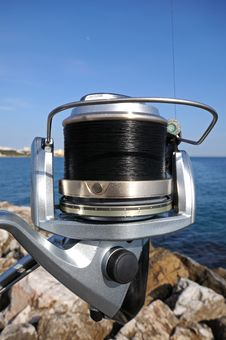 Free Modern Fishing Reel Royalty Free Stock Image - 23822486