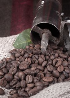 Free Coffee Grinderon Coffee Beans Royalty Free Stock Photos - 23838498