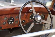 Free Wood Steering Wheel Stock Images - 23842564