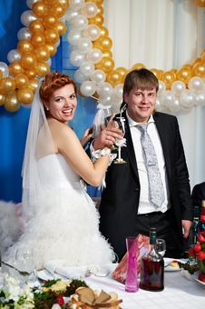Free Happy Bride And Groom With Champagne Glasse Stock Images - 23864214
