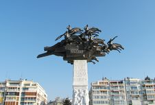 Free Monument On Gundogdu Square At Izmir,Turkey Royalty Free Stock Images - 23871959