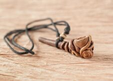 Free Smoking Pipe Necklace Royalty Free Stock Photography - 23898167