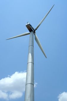 Free Wind Turbines Royalty Free Stock Photo - 2396235