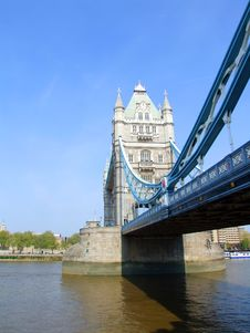 Free Tower Bridge 8 Royalty Free Stock Image - 2399176