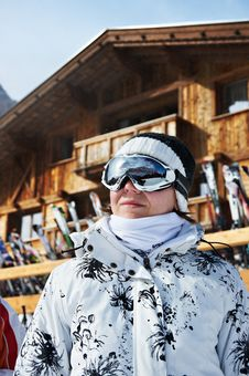 Free Beautiful Woman In Ski Resort Royalty Free Stock Photos - 23902158