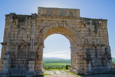 Free Triumph Arch Ruins At Volubilis, Morocco Royalty Free Stock Image - 23905316