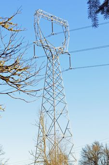 Free Power Line Tower Royalty Free Stock Image - 23919666