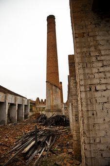Free Ruins Of A Old Plant Royalty Free Stock Photos - 23924528