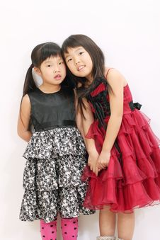 Free Two Asian Girls Royalty Free Stock Image - 23943096