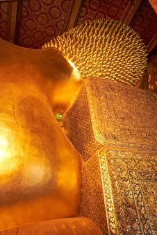 Free Head Of Big Reclining Golden Buddha Statue Royalty Free Stock Photo - 23956105
