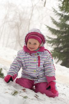 Free Cute Little Girl On The Snow Royalty Free Stock Photos - 23965948